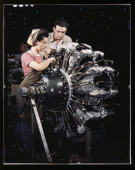 Women are trained as engine mechanics in thorough Douglas training methods, Douglas Aircraft Company, Long Beach, Calif. Photo courtesy of The Library of Congress. Photo by Alfred T. Palmer